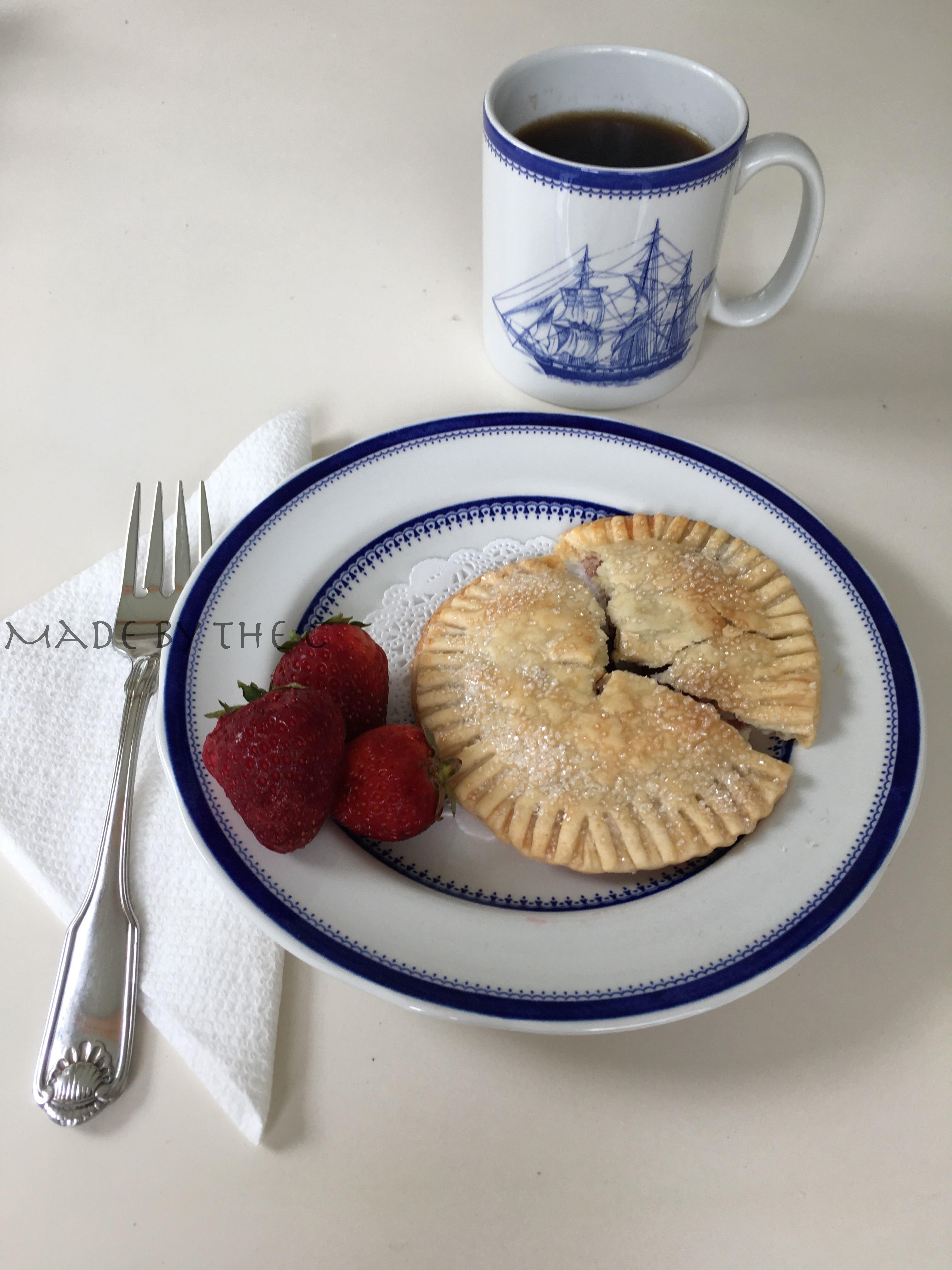 Blueberry on plate_1.jpg